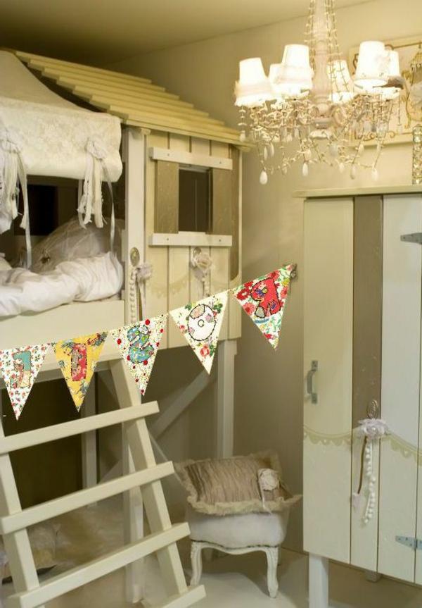 cabane-lit-enfant-chambre-confortable
