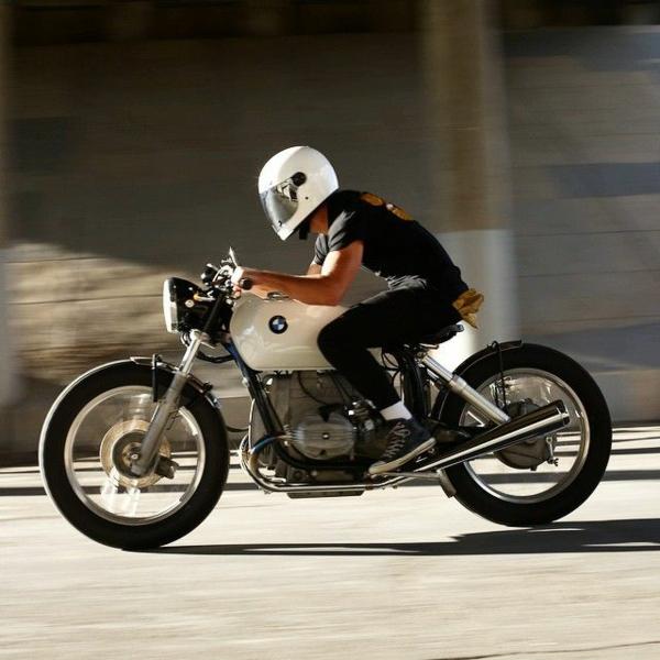casque-de-moto-performants-en-termes-de-protection-vitesse-bmw