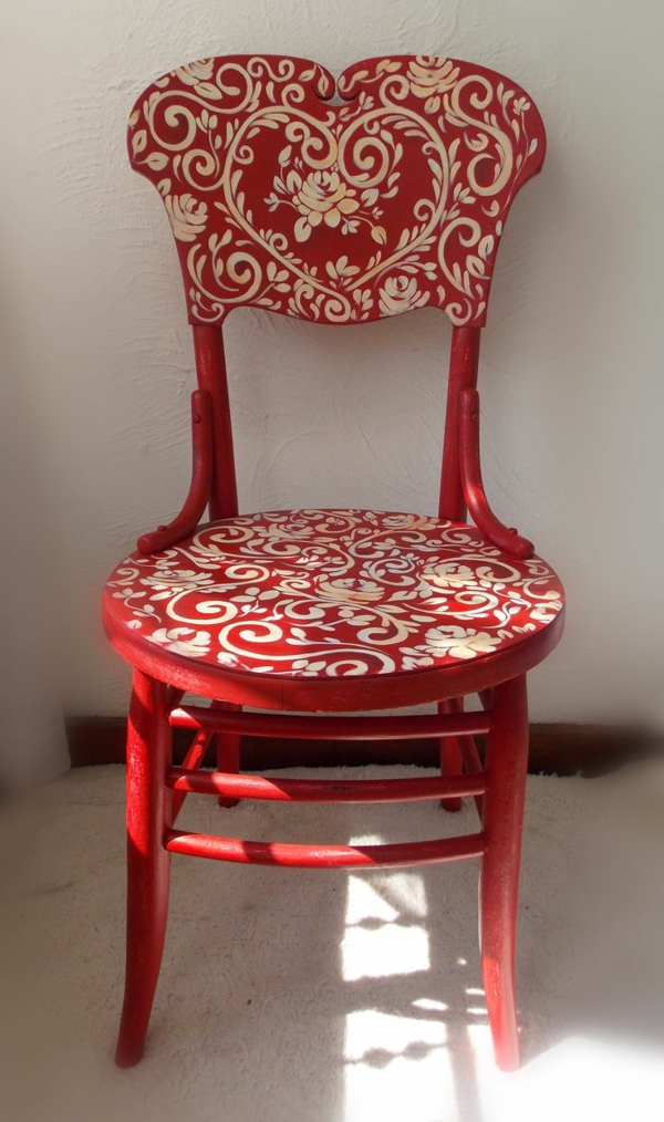 chaise-moderne-rouge