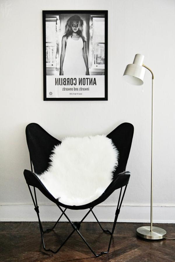 chaise-papillon-blanche-noir