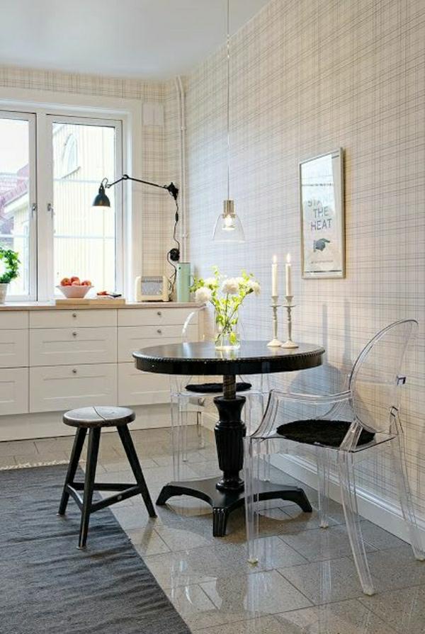 chaise-transparente-équipement-pour-petits-espaces