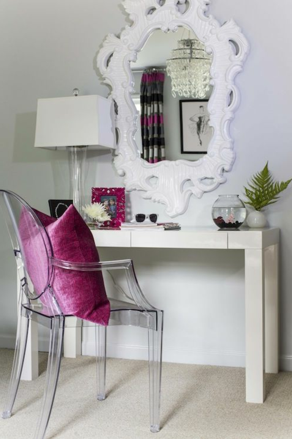 retrouvez la chaise transparente un beau bijou pour votre int rieur. Black Bedroom Furniture Sets. Home Design Ideas