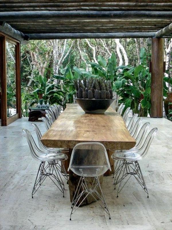 chaise-transparente-décor-unique-équipement-extérieur