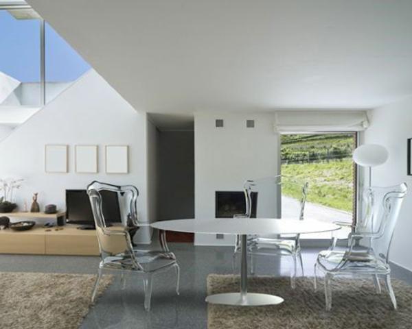 chaise-transparente-fauteuils-transparents-aux-formes-baroques