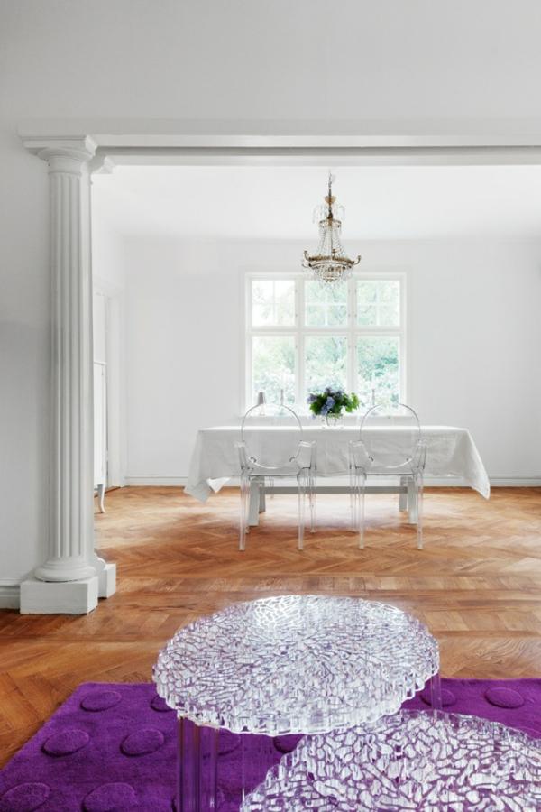chaise-transparente-intérieurs-superbes