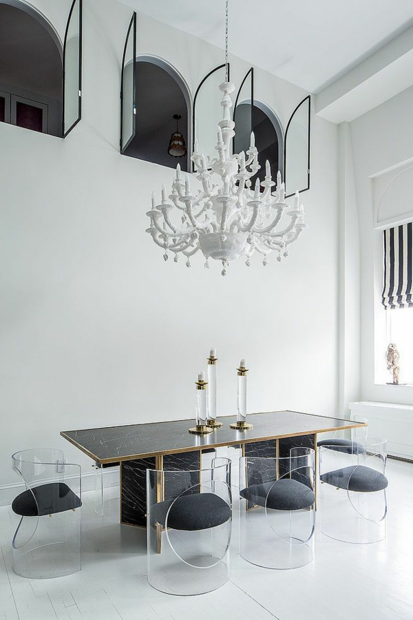 chaise-transparente-jolie-salle-à-manger-plafonier-blanc
