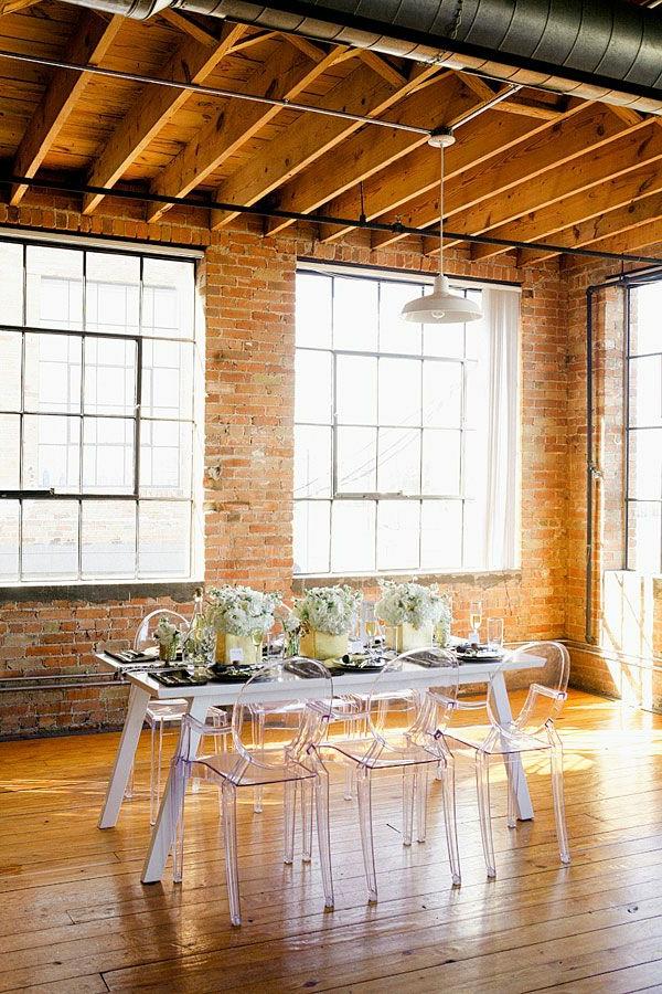 chaise-transparente-loft-moderne-magnifique