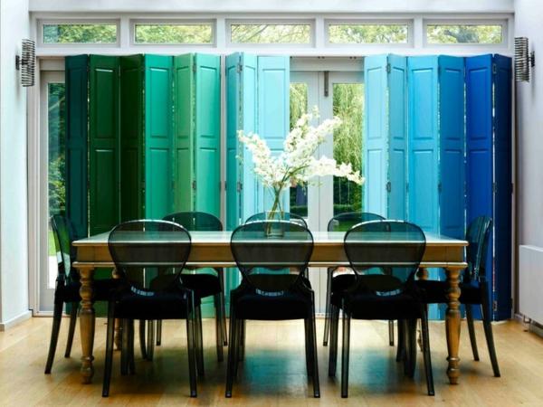chaise-transparente-porte-accordéon
