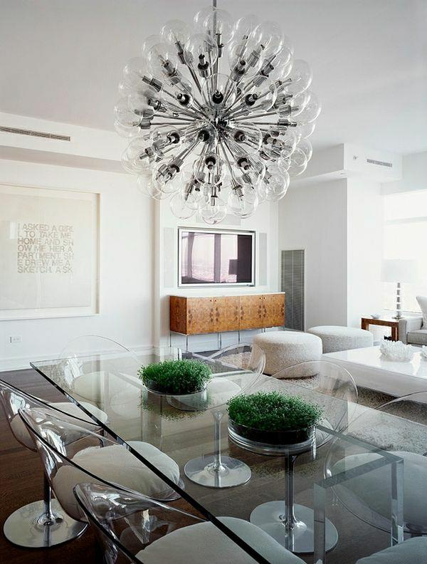chaise-transparente-salle-de-déjeuner-et-salle-de-séjour