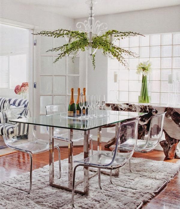 chaise-transparente-salle-de-déjeuner-solennelle