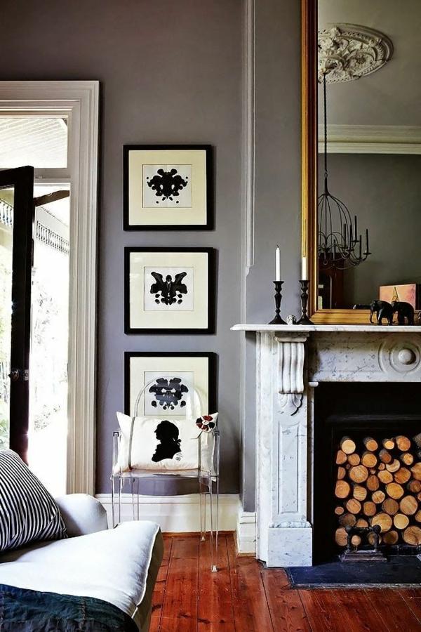 chaise-transparente-sol-en-bois-et-murs-gris
