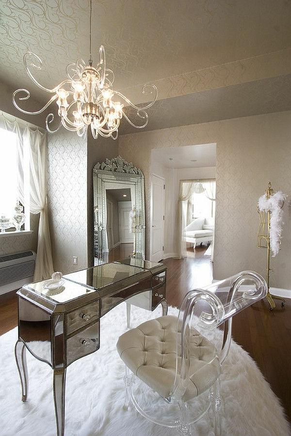 chaise-transparente-tapis-blanc-moelleux