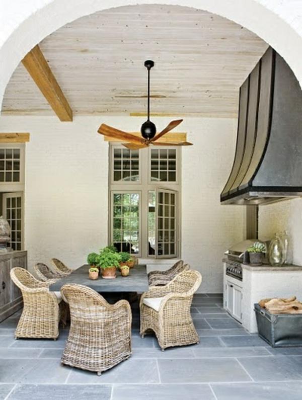 chaise-tressée-chaises-tressées-dans-la-cuisine