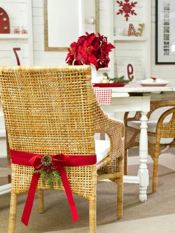 chaise-tressée-des-chaises-tressées-comme-décoration