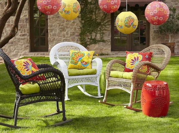 chaise-tressée-extérieur-magnifique-équipement-coloré