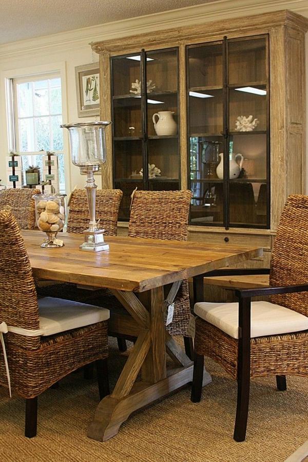 chaise-tressée-intérieur-rustique-et-chaleureux