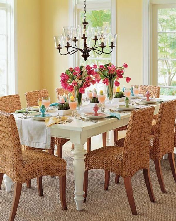 chaise-tressée-salle-à-manger-avec-des-chaises-tressées