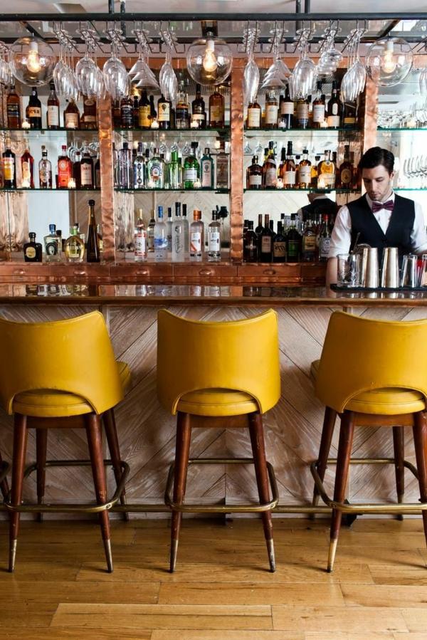 chaises-hautes-vintage-jaunes