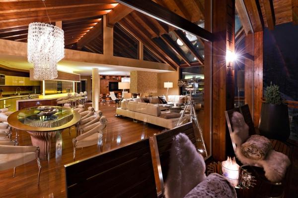 chalet-suisse-intérieur-luxueux