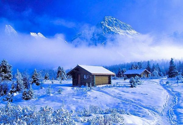 chalet-suisse-joli-paysageet-petit-schalets