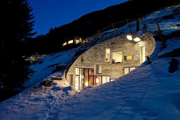 chalet-suisse-un-villa-sous-la-terre