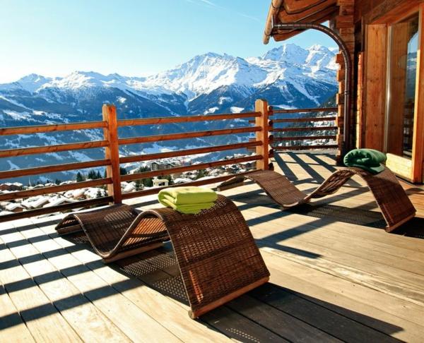 chalet-suisse-une-terrasse-et-une-vue-magnifique