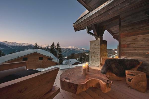 chalet-suisse-une-terrasse-phénoménale-en-bois