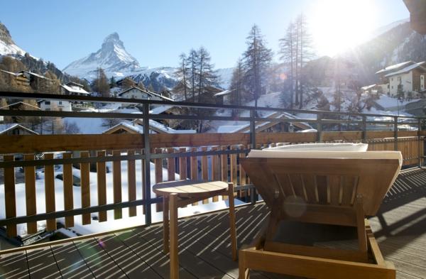 chalet-suisse-véranda-de-chalet-en-suisse