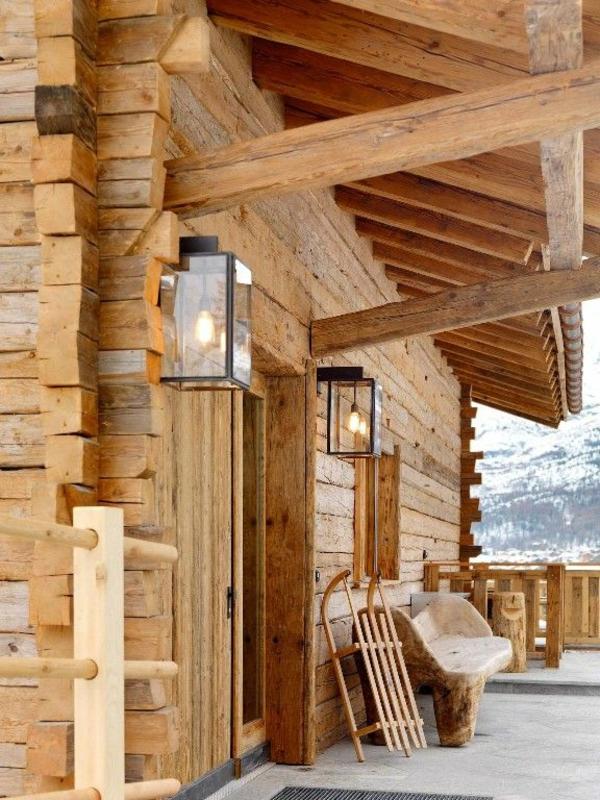 chalet-suisse-véranda-magnifique-de-chalet-traditionnel