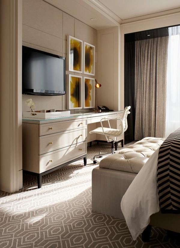chambre-commode-sol-moquette-bureau-chaise