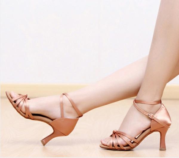 chaussures-de-salsa-belles-chaussures-de-danse