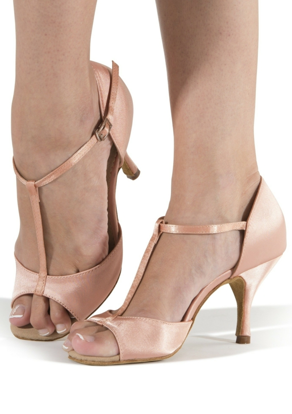 Bien connu Les meilleures chaussures de salsa - Archzine.fr OI15