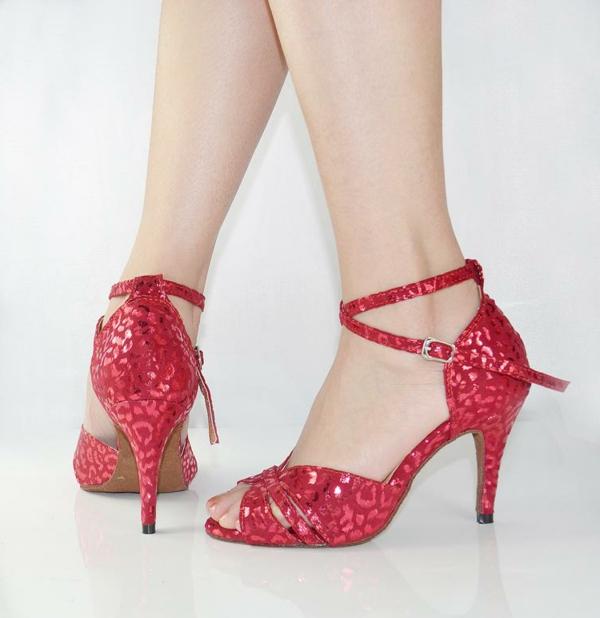 chaussures-de-salsa-rouges-à-print-animal