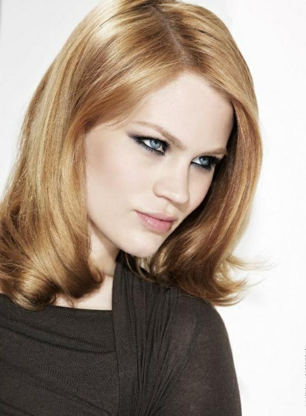 coiffure-lisse-mi-long-modele-blonde