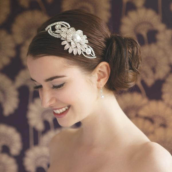 coiffure-tres-jolie-pour-mariage-accessoire-cheveux