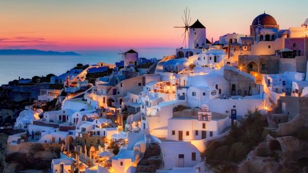 couche-de-soleil-à-Santorini-jolie-destination-grece-mer