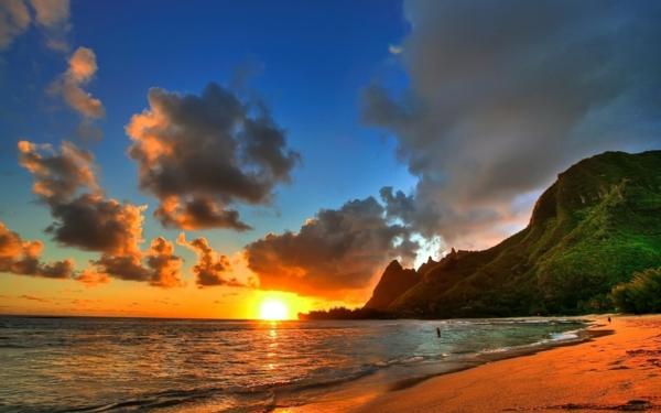 couche-de-soleil-destination-couche-de-soleil-au-bord-de-la-mer