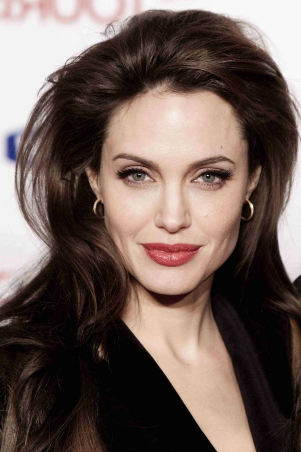 coupe-cheveux-femme-2014-2015-angelina-jolie