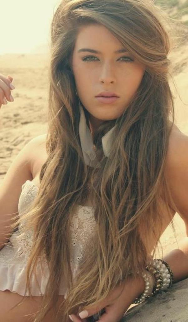 coupe-cheveux-le-style-coiffure-cheveux-longs-plage