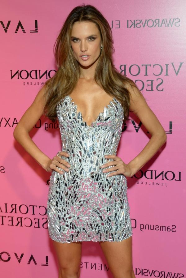 courte-robe-de-soirée-Alessandra-Ambrosio-argent-Victoria-Secret-robe-de-cocktail-robe-soiree