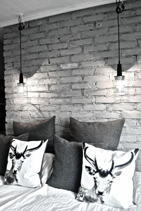 coussin-lit-gris-blanc-chambre-coucher