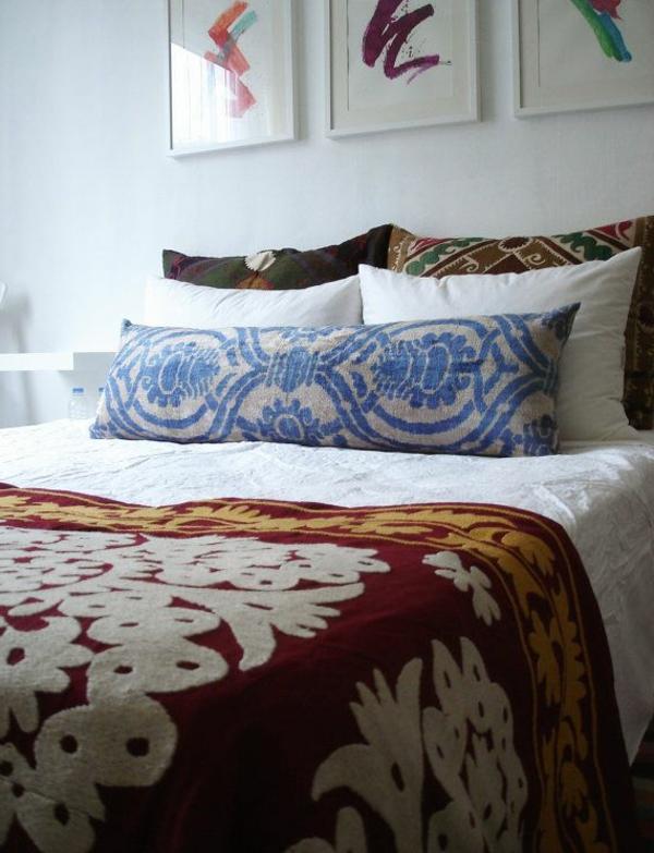 coussin-long-chambre-à-coucher