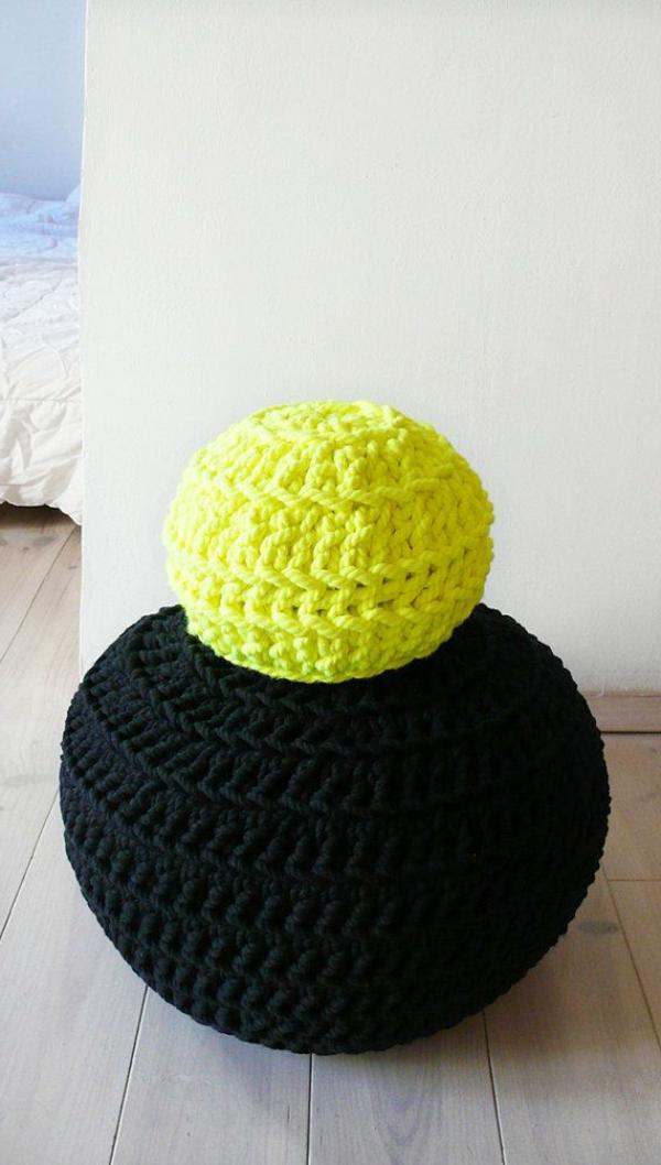 coussin-rond-noir-jaune