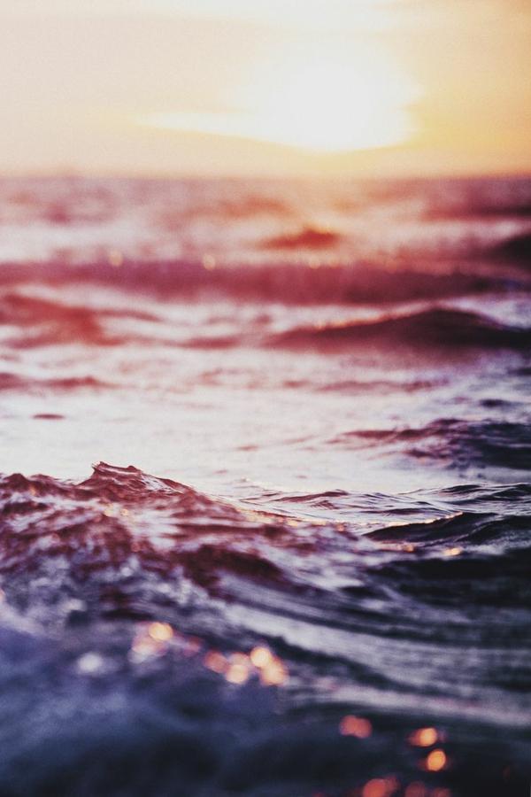 destination-couche-de-soleil-au-bord-de-la-mer