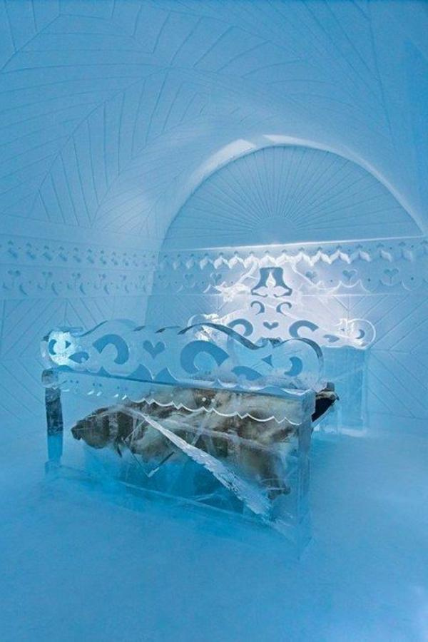 dormir-hiver-glace-lit