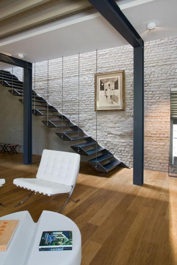 escalier-loft-original-mur-en-briques