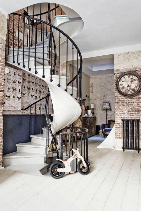 escalier-loft-escalier-spiral-intérieur-monochrome