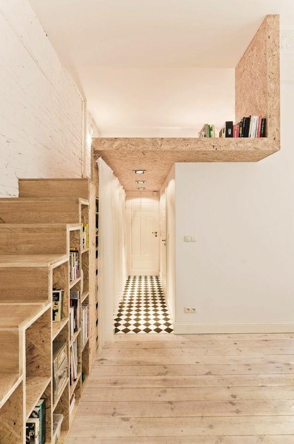 escalier-loft-et-bibliothèque-dans-le-couloir