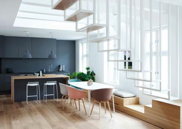escalier-loft-sympathique-pas-flottants-au-dessus-d'une-petite-cuisine
