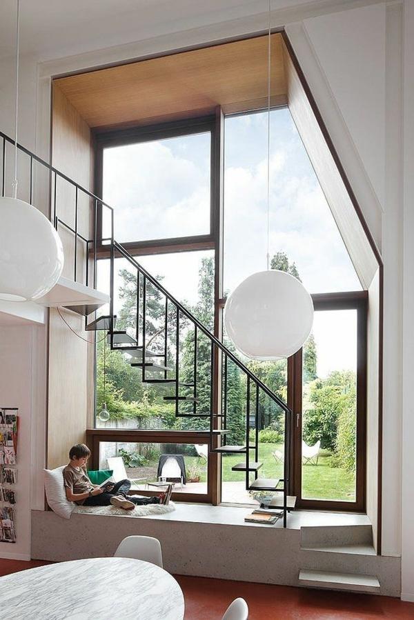 escalier-loft-un-loft-moderne-et-grandes-fenêtres-panoramiques